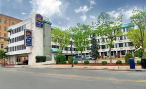 Photo of Best Western Envoy Inn