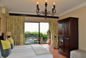 Luxury Twin or Double Room with Partial Sea View