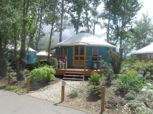 Yurts 05 - 30' Kitchenette Yurt