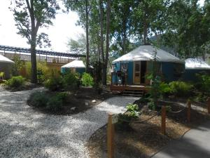 Yurts 01 - 24' Kitchenette Yurt