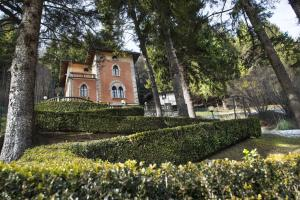 Villa Pinetina B&B
