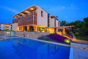 Hotel Amor: hotels Supetar - Pensionhotel - Hotels