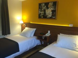 Junior Suite with Two Single Beds