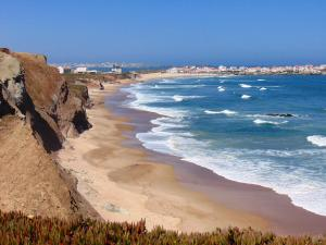 Low Cost Apartment, Ferienwohnungen  Peniche - big - 35