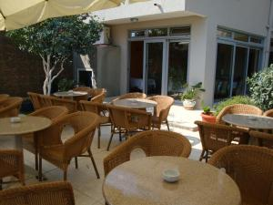 Pima Apartmani, Bed and Breakfasts  Budva - big - 17