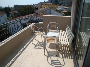 Pima Apartmani, Bed and Breakfasts  Budva - big - 12