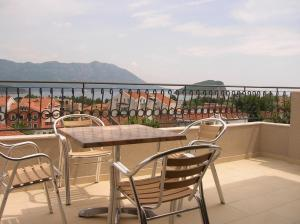 Pima Apartmani, Bed and Breakfasts  Budva - big - 5