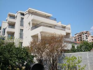 Pima Apartmani, Bed and Breakfasts  Budva - big - 1