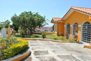 Photo of La Hacienda