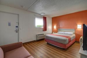 Standard Room with One Double Bed Non-Smoking