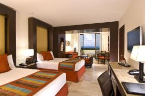 Luxury Junior Suite with Ocean View (3 Adults)