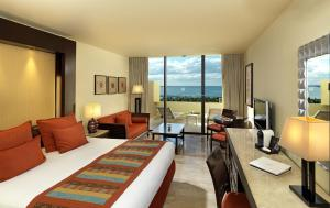 Luxury Junior Suite with Lagoon View (2 Adults)