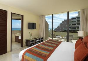 Junior Suite with Ocean View (3 Adults)