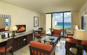 One-Bedroom Suite with Ocean View (2 Adults)