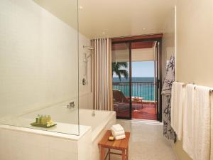 King or Double Room - Ocean Front Deluxe