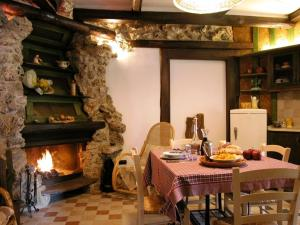 Casa Vacanze Umbria Volo Country Resort, Holiday homes  Montecastrilli - big - 16
