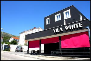 Photo of Villa White
