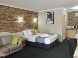 Country Gardens Motor Inn - Toowoomba, Queensland, Australia