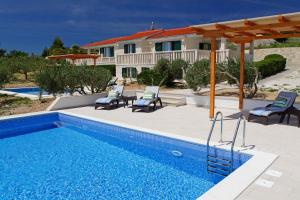 Holiday Homes Oliva, Holiday homes  Bol - big - 15