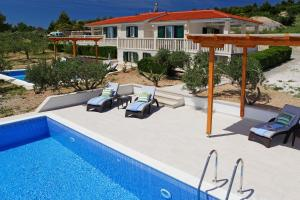 Holiday Homes Oliva, Holiday homes  Bol - big - 16