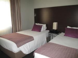 Superior Suite with 1 Double Bed and 2 Single Beds