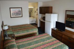 Standard Room with Two Double Beds -Smoking