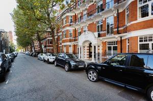 Apartment Iverna Gardens - Kensington in London, Greater London, England