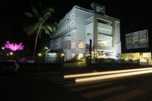 Photo of Hotel Moonlit Regency