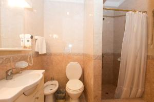 Quintuple Room