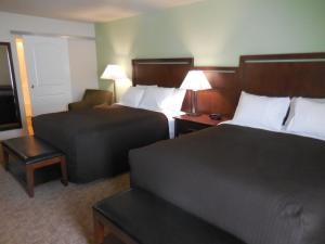 Standard Queen Room with Two Queen Beds - Disability Access