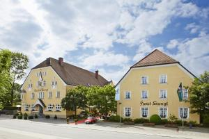 Photo of Hotel Gutsgasthof Stangl