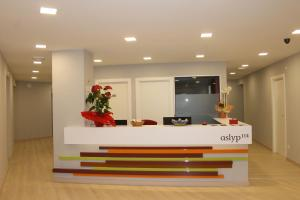 Lodging Hostal Aslyp 114, Barcelona