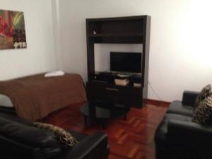 One-Bedroom Apartment - Alcanfores St.