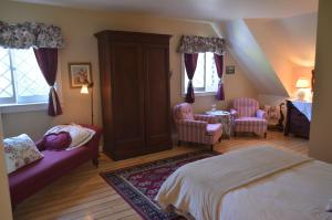 Deluxe Queen Room with Garden View