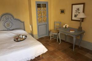 B&B La Bastide Desmagnans, Bed & Breakfast  Lacoste - big - 5