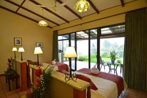 Double Room with Two Double Beds with Mountain View