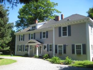 Photo of The Kingswood Bed And Breakfast
