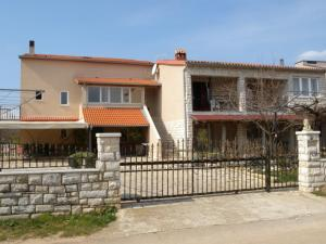 Three-Bedroom Apartman in Valbandon I