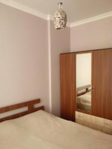Giorgi Apartment, Apartmanok  Batumi - big - 8
