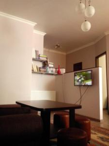 Giorgi Apartment, Apartmanok  Batumi - big - 7