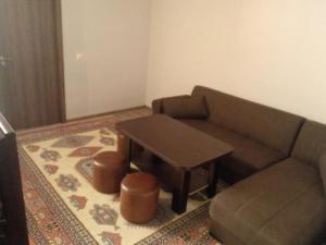 Giorgi Apartment, Apartmanok  Batumi - big - 6