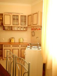 Giorgi Apartment, Apartmanok  Batumi - big - 3
