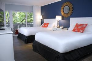 Classic Double Room with Two Queen Beds and Resort View