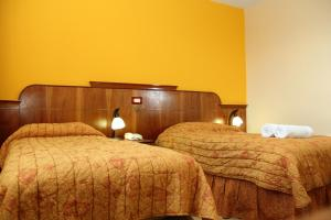 Triple Room 1 mat & 1 single