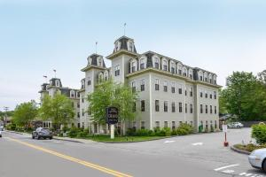 Photo of Bar Harbor Grand Hotel