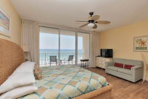 Studio Apartment 412 with Sea View