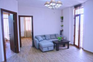 New apartment 2 in the city center, Апартаменты  Батуми - big - 2