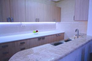 New apartment 2 in the city center, Апартаменты  Батуми - big - 4