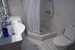 New apartment 2 in the city center, Апартаменты  Батуми - big - 11