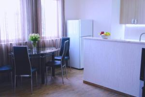 New apartment 2 in the city center, Апартаменты  Батуми - big - 13